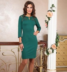 Платье трикотажное с кружевной кокеткой, размер 52