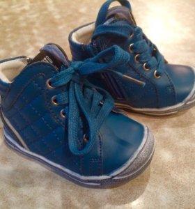 Детские ботинки на весну/осень