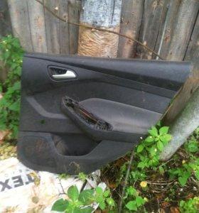 Форд фокус 3 обшивка задн пр двери внутренности