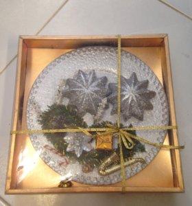 Свечи на тарелке в подарочной коробке