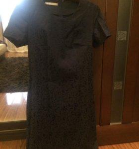 Платье 42 размера.