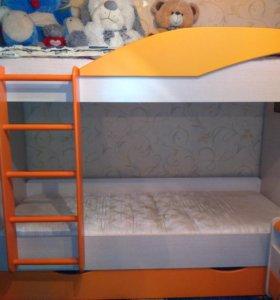 Детская двухъярусная кровать + мебель
