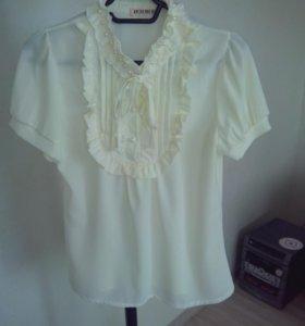 Новая молочная блузка 44 размер