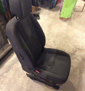 Продам водительское сиденье от Renault Fluence