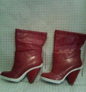 Сапоги лаковые кожаные новые  37 размер