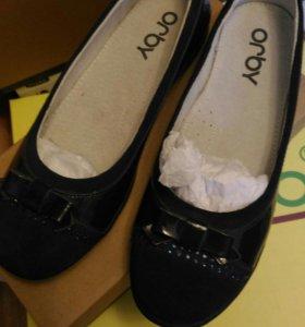 Школьные туфли балетки для школы новые