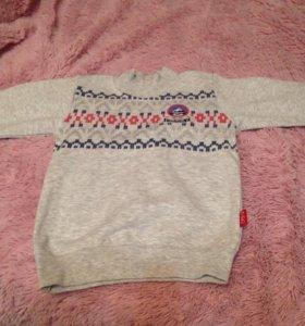 Продается детский свитерок на мальчика