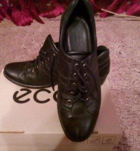 Женские туфли Экко.