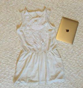 Платье S-М с подкладкой и карманами