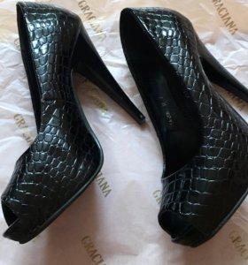Туфли(лакированные)37 размер