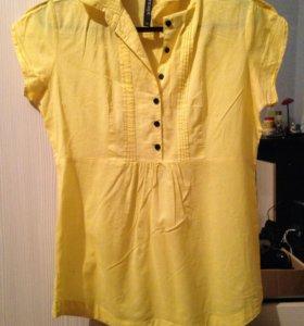 Блузка , рубашка .