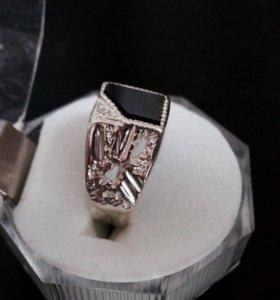 Серебряная печатка с камнем