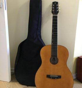 Гитара ( Ладога ) с чехлом