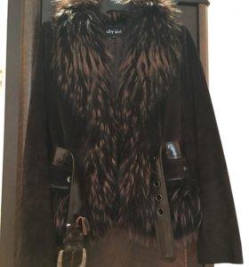 Тёплая замшевая куртка с мехом