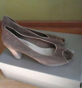 Много обуви 41