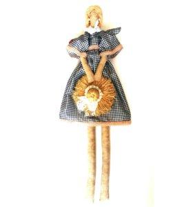 Кукла с соломенной шляпой.