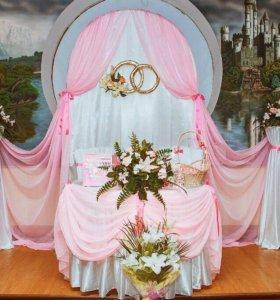 Оформление залов тканью, шариками и цветами