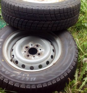 Два колеса R13 на дисках