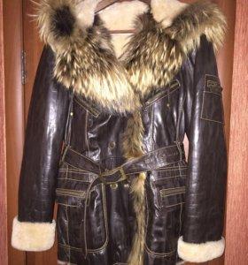 Кожаное пальто с натуральным мехом