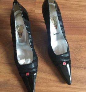 Новые туфли , итальянские