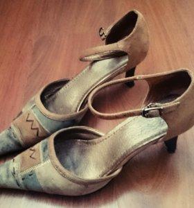 Оригинальные босоножки (туфли)