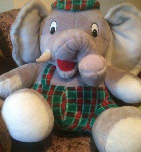 Игрушка слон.