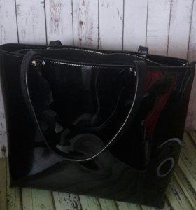 Лаковая кожаная сумка