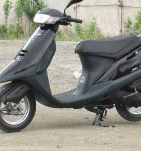 Продам Очень красивый японский черный Скутер!