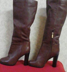 Сапоги осенние 37 размер (цвет коричневый )