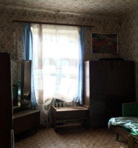 Комната в коммуналке