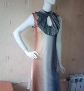 Платье с жабо НОВОЕ