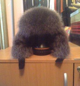 Зимняя шапка с мехом чернобурки