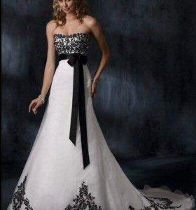 Свадебное платье с вышивкой б/у