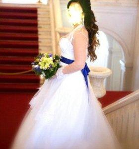Свадебное платье белое 44/46