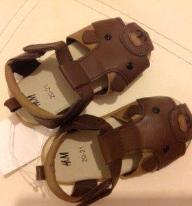 Новые сандалии НМ