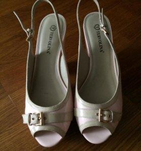 Tervolina босоножки туфли кожаные новые