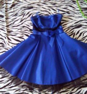 Шикарно платье в стиле 80-х