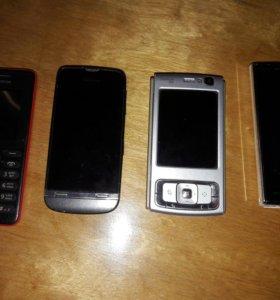 4 Телефона и 3 аккумулятора