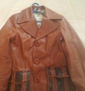 Куртка размер М. Натуралка