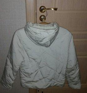 Куртка на синтепоне кремового цвета