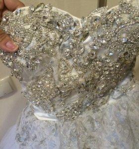 Свадебное платье !!