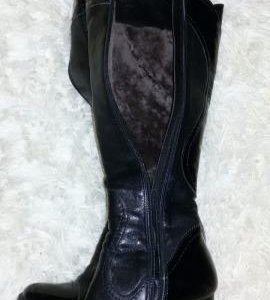 Новые  кожанные  зимние сапоги   размер 36