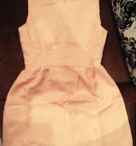 Совершенно новое платье, размер S