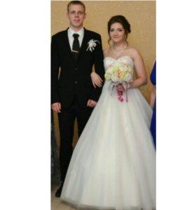 Продам свадебное платье и свадебный костюм