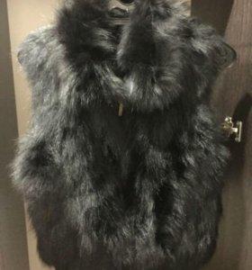 Безрукавка меховая (мех чёрная лиса)