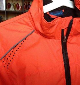 Спортивная куртка для бега