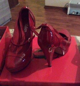 Туфли женские ( распродажа)