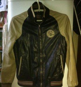 Куртка кожаная размером L