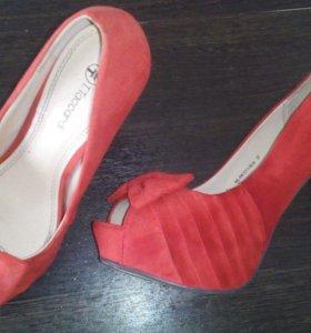 Туфли,одевала 1 раз на свадьбу