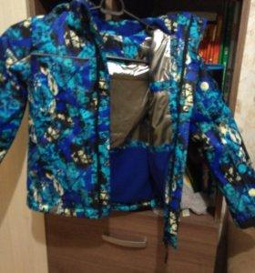 Куртка на мальчика НОВАЯ на осень 122-128 рост